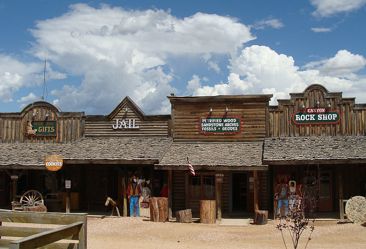 Souvenir shops in Bryce