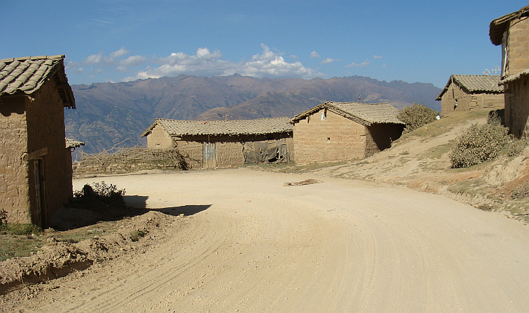 Adobe houses on the descent to Abancay