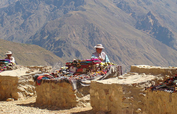 Saleswomen on a viewpoint in the Colca Canyon