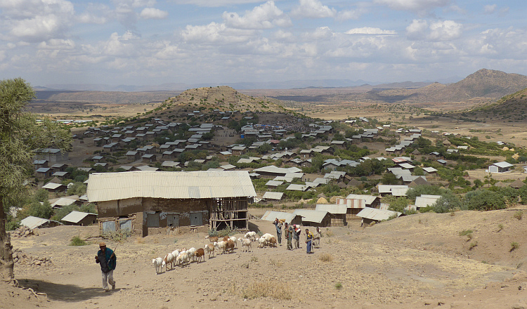 Village on the road to Lalibela