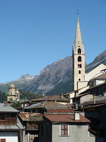 Bormio, between the Stelvio and the Gávia