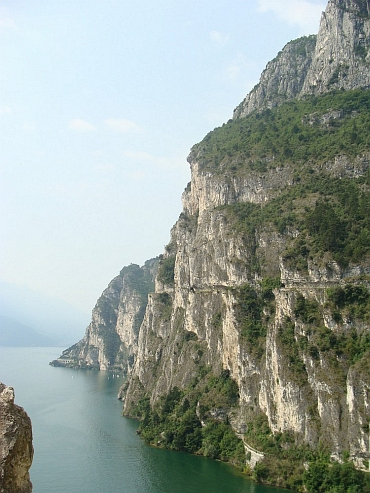 The mountainbike trail down to Lake Garda