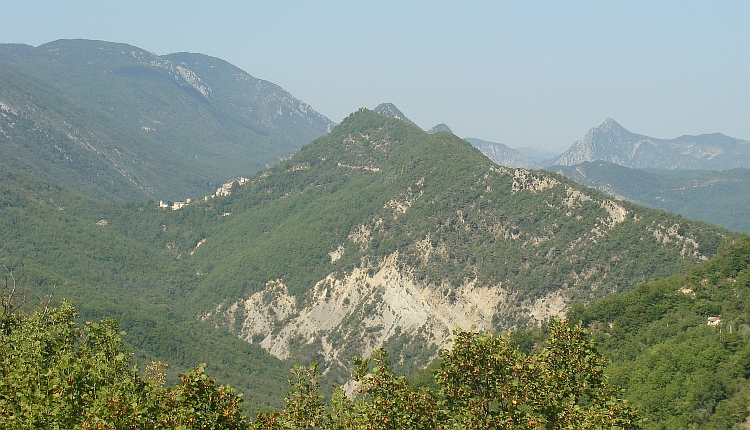 Sigale and the surrounding mountains