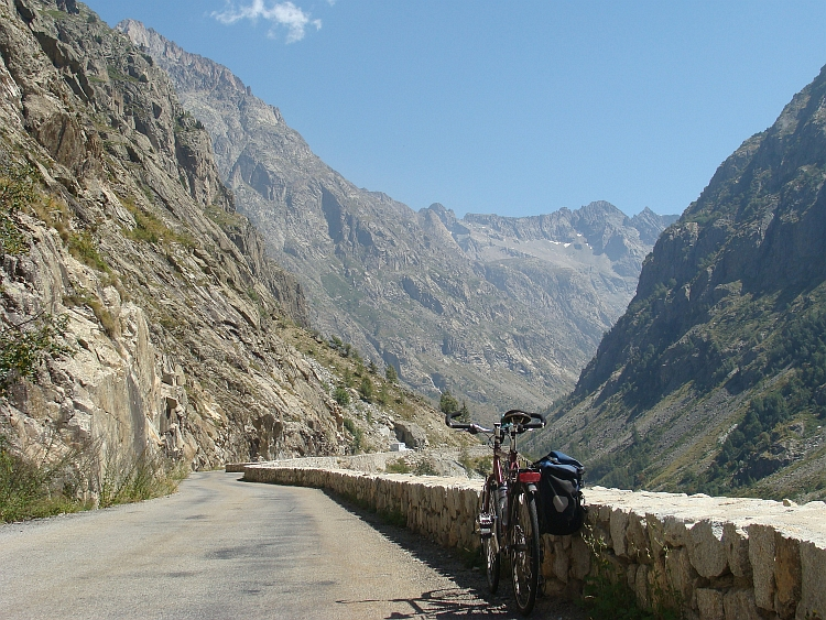 My bicycle in the heart of the Ecrins mountains on the way up to La Bérarde