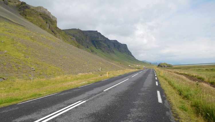 The N1 between Seljalandsfoss and Skógar