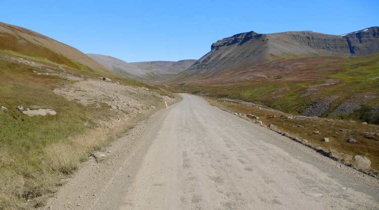 Road 60 between Þingeyri and Hrafnseyri