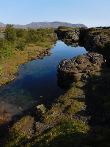 The earth cracks open in Þingvellir