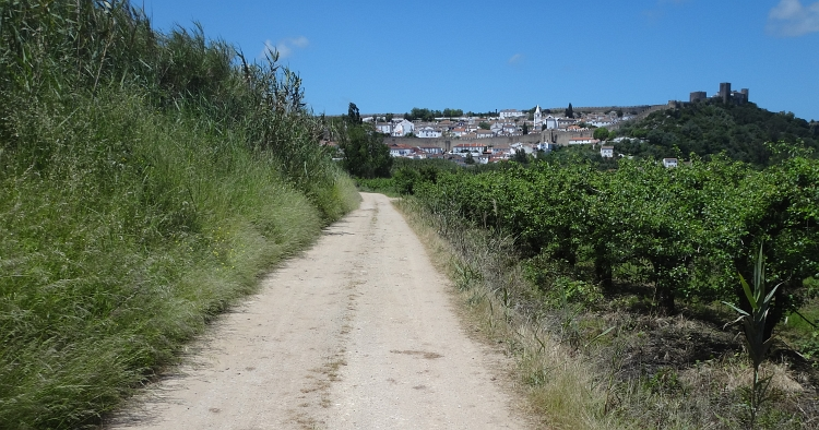The road out of Óbidos