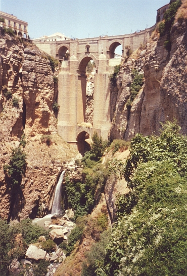 The Bridge over the 100 meter high cliffs of the Tajo, Ronda